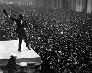 1280px-Douglas_Fairbanks_at_third_Liberty_Loan_rally_HD-SN-99-02174